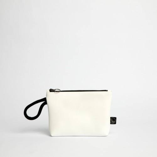 WHITE CLASSIC CLUTCH BAG